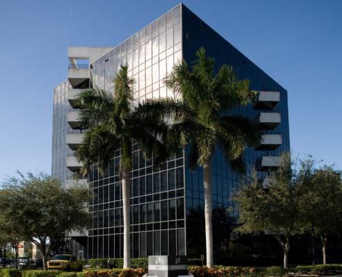 <strong>Horizons Office Building</strong><br> West Palm Beach, FL